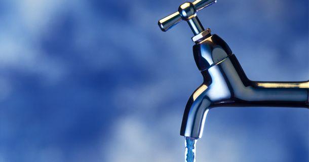 вода, вода из крана, источник жизни
