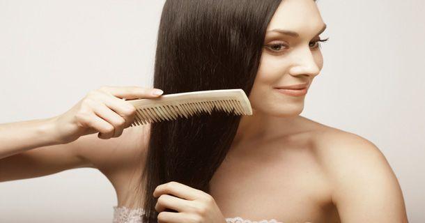 Сильно выпадают волосы у молодой женщины