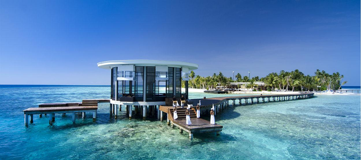 jumeirah-dhevanafushi-arrival-jetty-hero