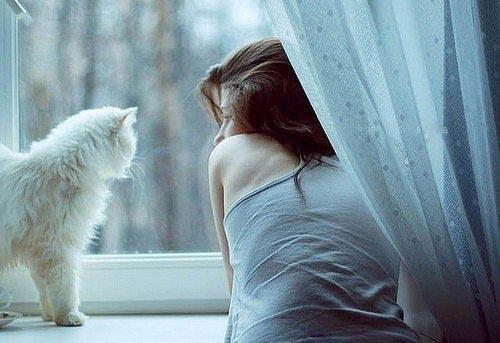 Почему красивые женщины чаще одиноки