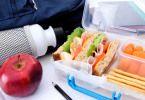 Перекусы в дороге: что взять в путь из еды