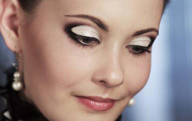 Как сделать макияж в карандашной технике