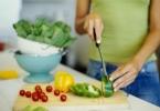 Диета при менструациях: вредные и полезные продукты